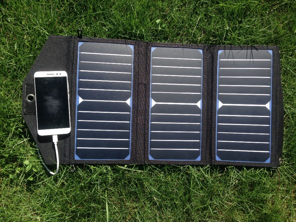 Brand+Aid_SolarPanelCharger